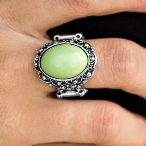 Jewelry - 🐛 Spring Dream Green Ring